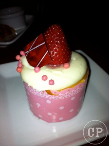 strawberry_cream_cheese_cupcake